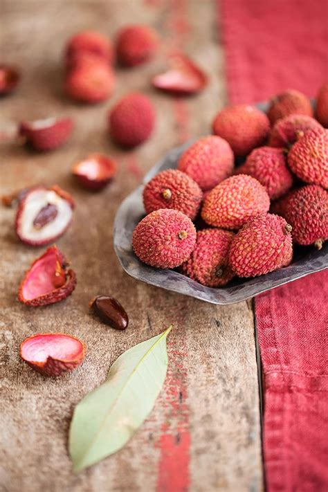 lychee fruit peeled the 25 best lychee nut ideas on pinterest pudding shots