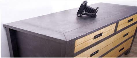 Charmant Peindre Un Meuble Melamine #1: peindre-meuble-peinture-acrylique-a-effet-metal-pour-meuble.jpg