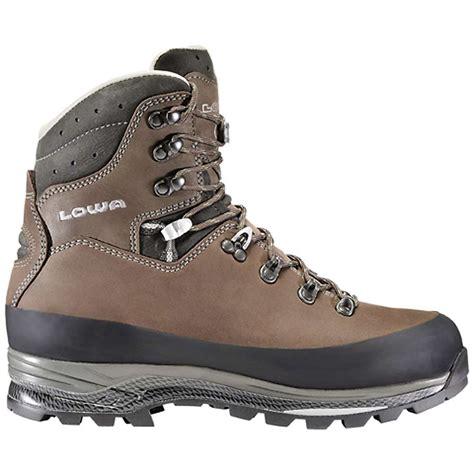 lowa mens boots lowa s tibet ll boot at moosejaw
