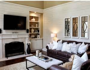 Brown And White Chair Design Ideas Ok Not The Pillows But Brown And White Walls Look With A Bright Coffee Table And
