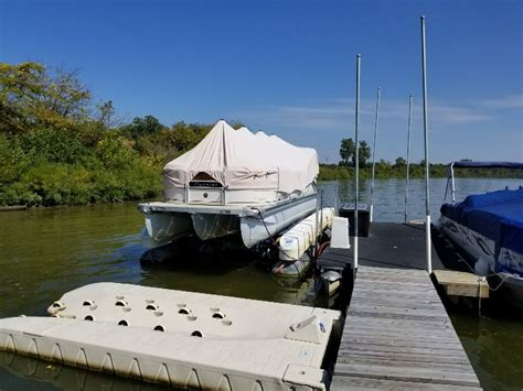 floating boat lift for sale florida check out my custom hydrohoist floating tritoon boat lift