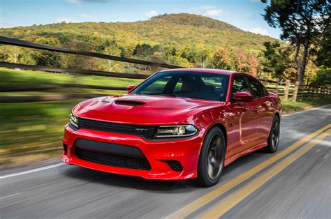charger hellcat 2015 dodge charger srt hellcat first test motor trend