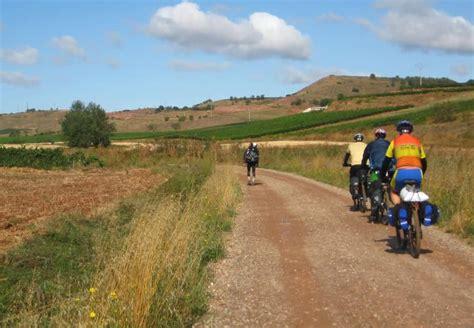 follow the camino cycling the camino de santiago follow the camino