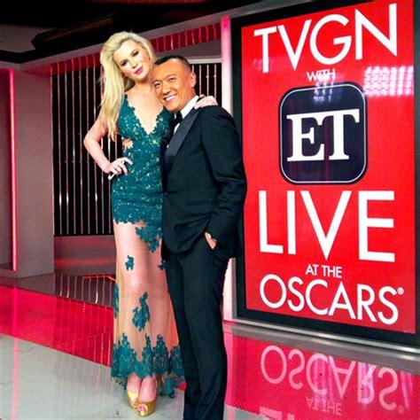 Entertainment Tonight Wardrobe by Filha De Basinger Ser 225 Correspondente De Moda No Oscar