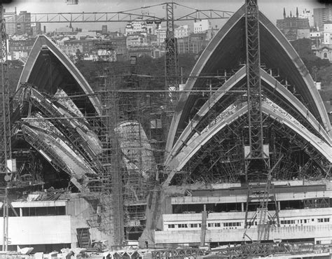 sydney opera house  show      built daily mail