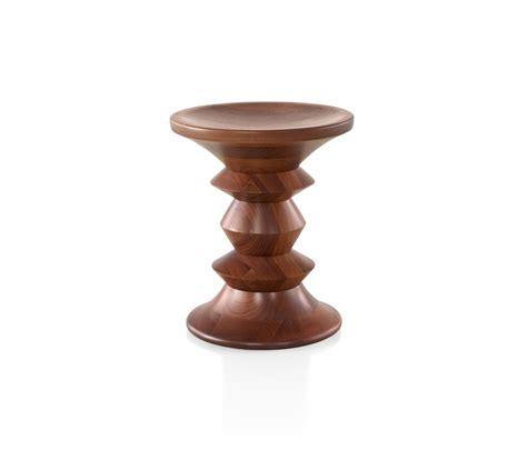 eames beistelltisch eames walnut stool beistelltische herman miller