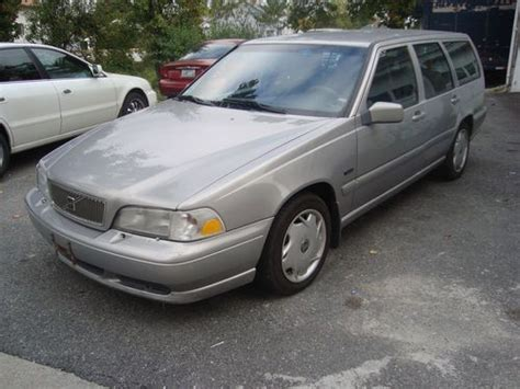 volvo station wagon 1998 find used 1998 volvo v70 station wagon w third row seats