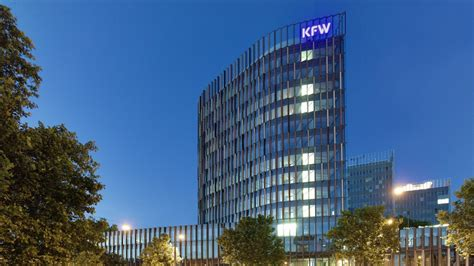 kfw bank frankfurt geb 228 udefotos mit kfw logo