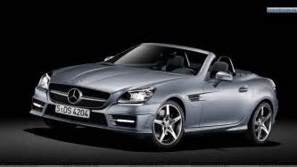 Mercedes Of Silver Front Side View Of Silver Mercedes Slk 350 Wallpaper