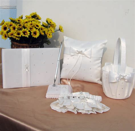 Wedding Venue Accessories by Bazarlisete Wedding Basic Wedding Accessories To Complete