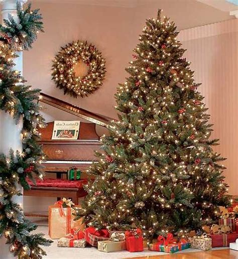 modern color combinations and ornaments for christmas tree