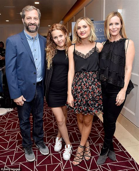 judd apatow productions maude apatow is cheered on by parents judd apatow and