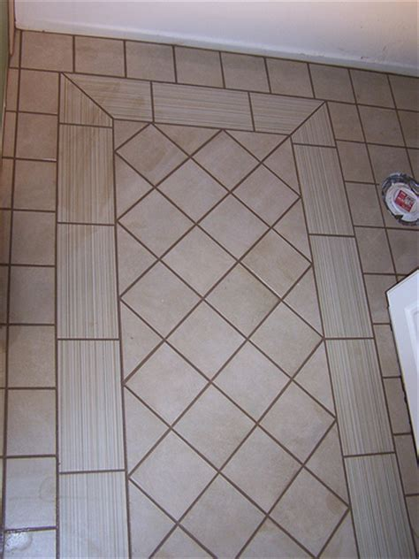 light tile with dark grout photo