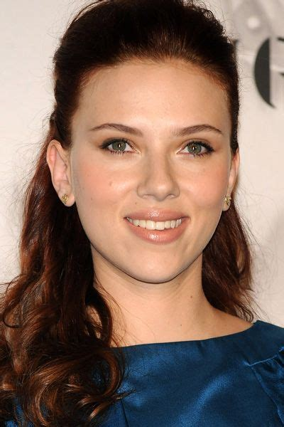 celebrities with green eyes and pale skin celebrities with brown hair fair skin scarlett