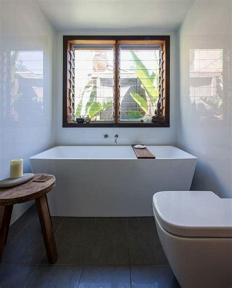 Badewanne Am Fenster by Kleines Haus Aus Den 70ern In Australien