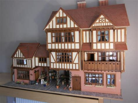 unusual dolls houses dolls house auction 28 images noel barrett to auction flora gill personal