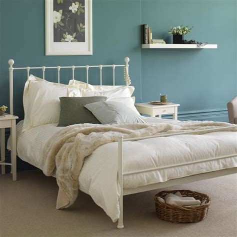 bedroom ideas with metal beds gone thrifting vintage metal beds