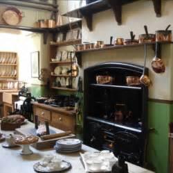 The kitchen where poppy first hears about ellen