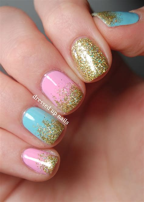 Nails Glitter these nails are sooo pretty going to try this soon pastel nail with gold glitter