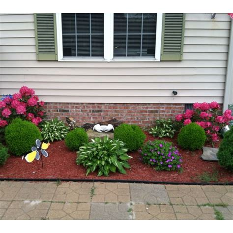 landscaping bushes for front of house front of the house landscaping outside renovation pinterest landscaping mulches