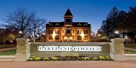 Mba Programs In Lake County Il by Top 25 Colleges In Illinois Best Value Schools