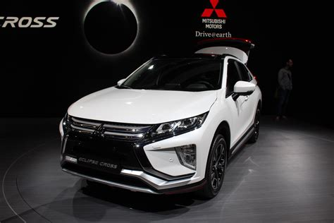 mitsubishi crossover white mitsubishi eclipse cross audacieux vid 233 o en direct du