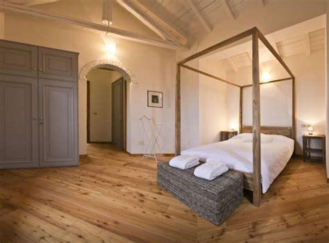 letto a baldacchino in legno letto baldacchino