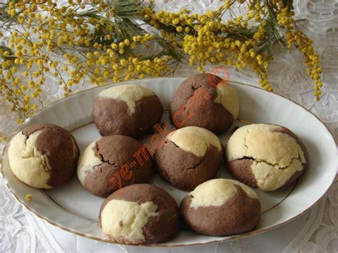 kakao desenli kek resimli ve pratik nefis yemek tarifleri sitesi iki renkli kurabiye tarifi yapılış aşamaları 1 4