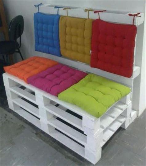sofa reciclado sof 225 s e bancos em madeira de palete reciclado m 243 veis