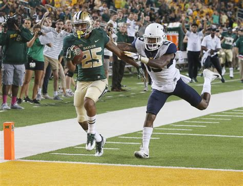 Mba Baylor Football Score by Baylor Notebook Freshmen Give Bears For Future Die