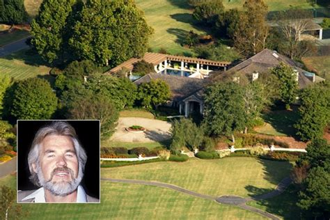 home of kenny rogers kenny rogers pinterest theater home and guest houses