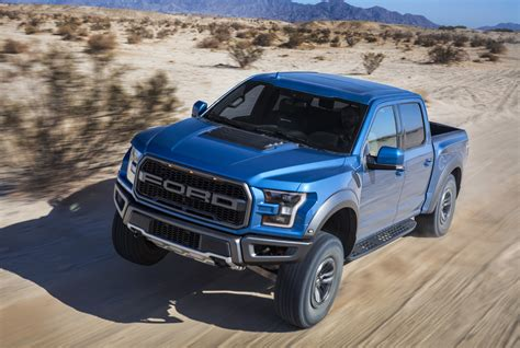 2019 ford 150 truck 2019 ford f 150 raptor debuts with updated fox shocks