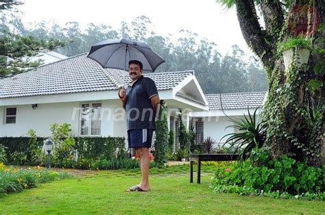 actors houses malayalam actor mohanlal house pics mere pix