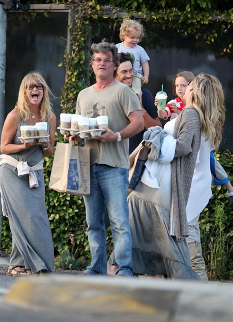 oliver hudson and family goldie hawn and oliver hudson photos photos kate hudson