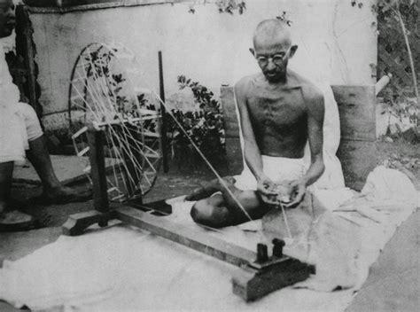 biography ni mahatma gandhi mahatma karamchand gandhi the father of india