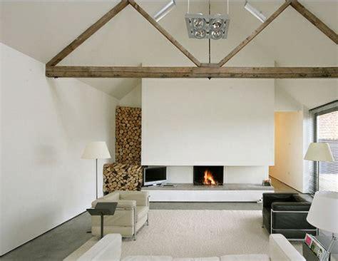 Wohnzimmer Dachgeschoss by 20 Erstaunliche Ideen F 252 R Dekoration Mit Brennholzmuster