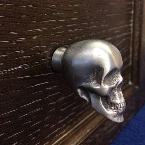 scary skull cabinet knob bone decor creepbay