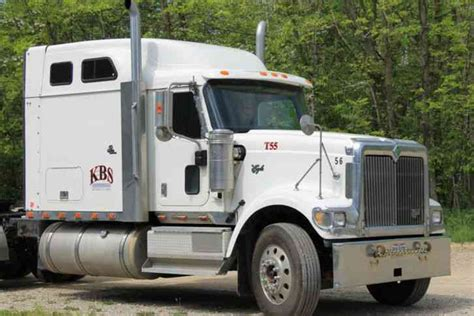 international semi truck international 9900i 2001 sleeper semi trucks