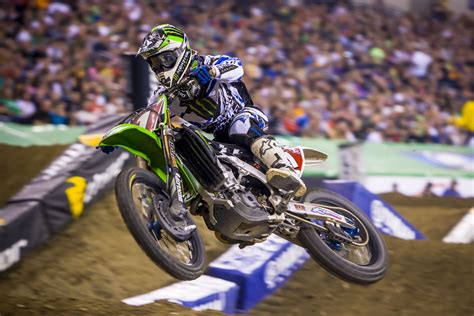 who won the motocross race last night ryan villopoto takes third win in a row at indianapolis