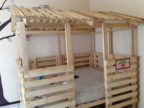 pallet bunk beds astonishing ideas for pallet loft bunk beds