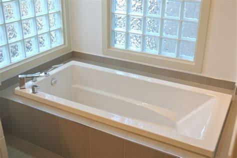 bathtubs calgary 76 best calgary bathworks projects bathrooms images on