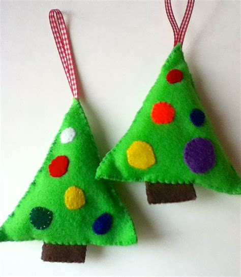 felt christmas tree ornaments make bake sew