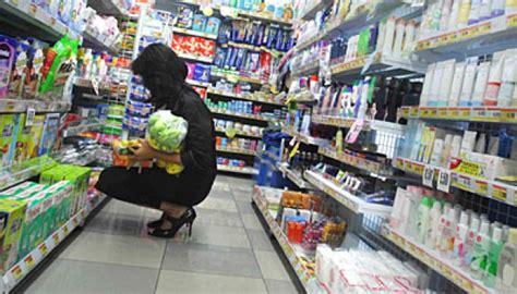 Plastik Di Supermarket Mulai Februari Kantong Plastik Di Supermarket Tak Gratis