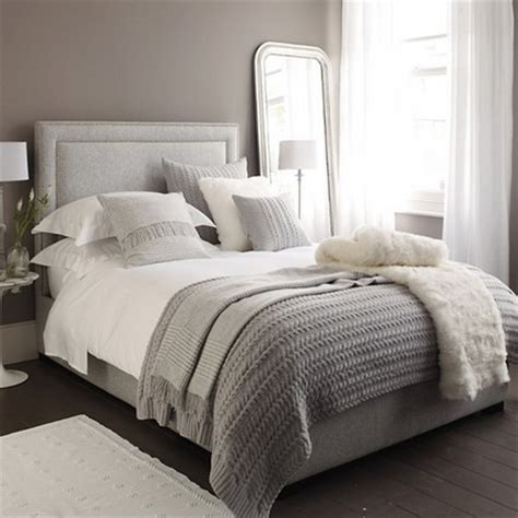 how to dress a bed with pillows dormitorios en color gris decoraci 243 n de interiores y