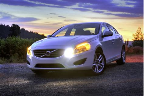 volvo  xc recalled  airbag defect