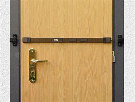 sicurezze per persiane come blindare una porta gi 224 esistente per rinforzarla