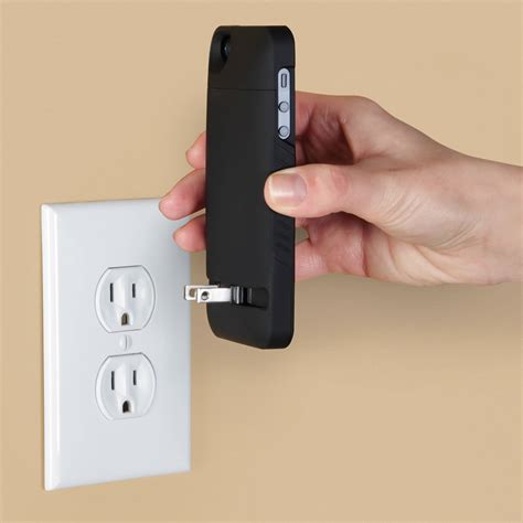 charger iphone 5s the cordless iphone 5 5s charging hammacher schlemmer
