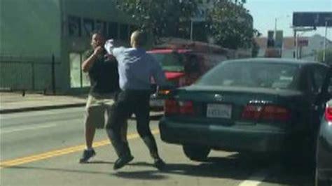 Rage Fight Shows Road Rage Incident Involving 2 In Ktla