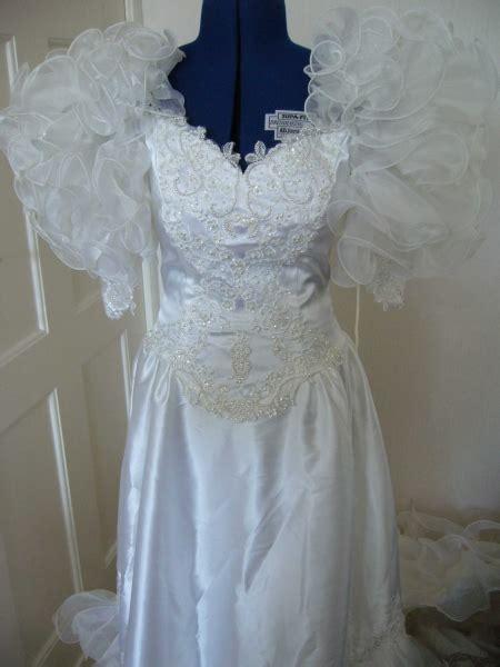 Brautkleider 80er Jahre by Vintage 80er Jahre Brautkleid Mit Schleppe Kleiderkorb De