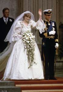 princess diana s wedding dress designer reveals what gown